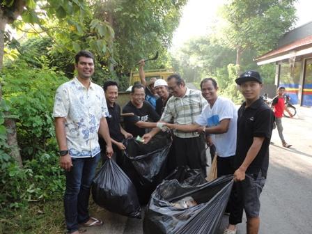 Cleaning Blitz with Tambyak Community